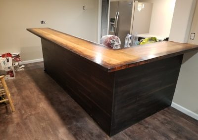 Bar Top Oak burnt edge face grain plank style
