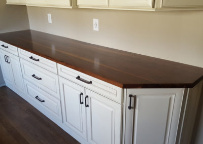 Bar top walnut face grain plank style