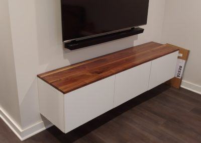 Cabinet top walnut face grain plank style