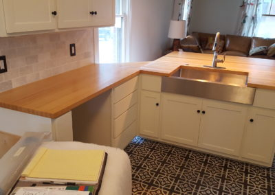 Kitchen counter tops Maple edge grain butcher block