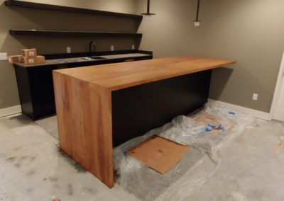 Waterfall Bar Top Hickory face grain plank style
